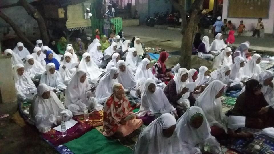 Tampak Jama'ah SITQON Pasuruan mengikuti kegiatan Istighotsah dan Pengajian Sholawat Tawassuliyah