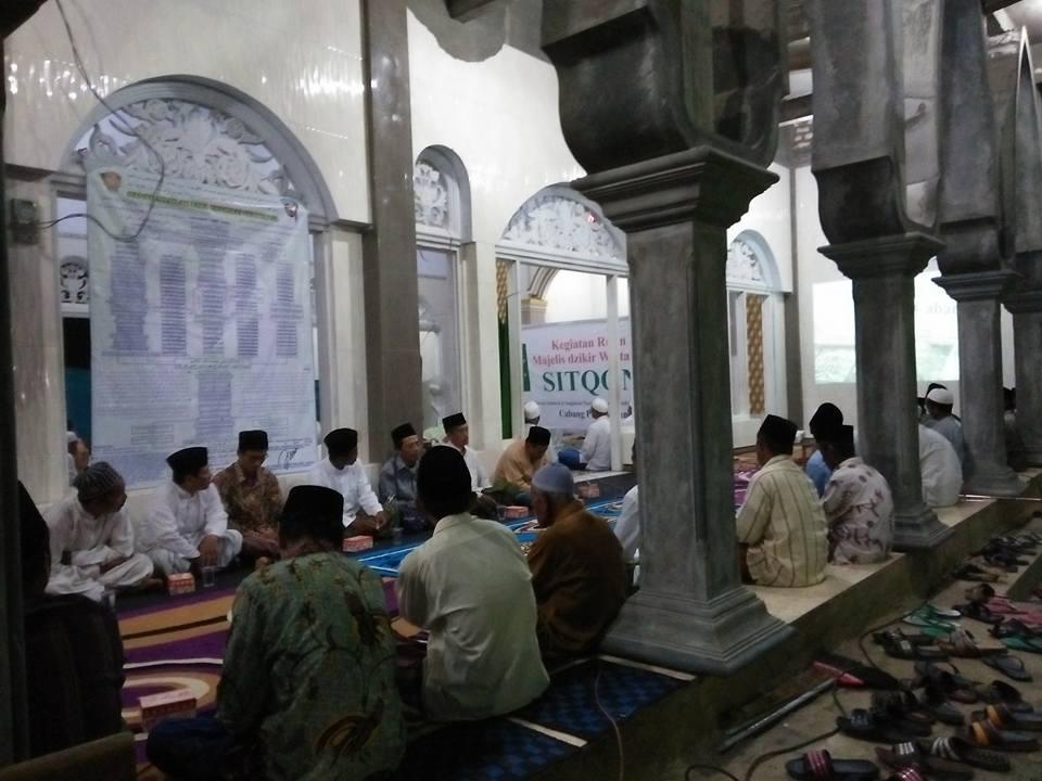 Tampak Pengurus Cabang SITQON Pamekasan, mengikuti kegiatan Majlis Dzikir Wat Ta'lim