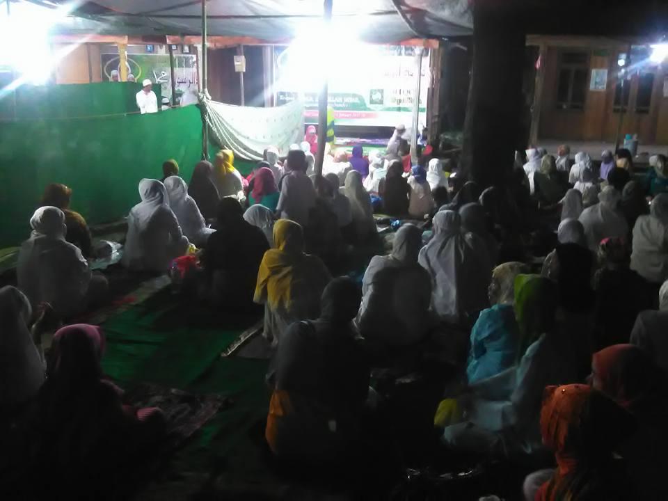 Jama'ah SITQON Tapal Kuda mengikuti kegiatan di Kediaman Kyai Basir Asembagus Situbondo