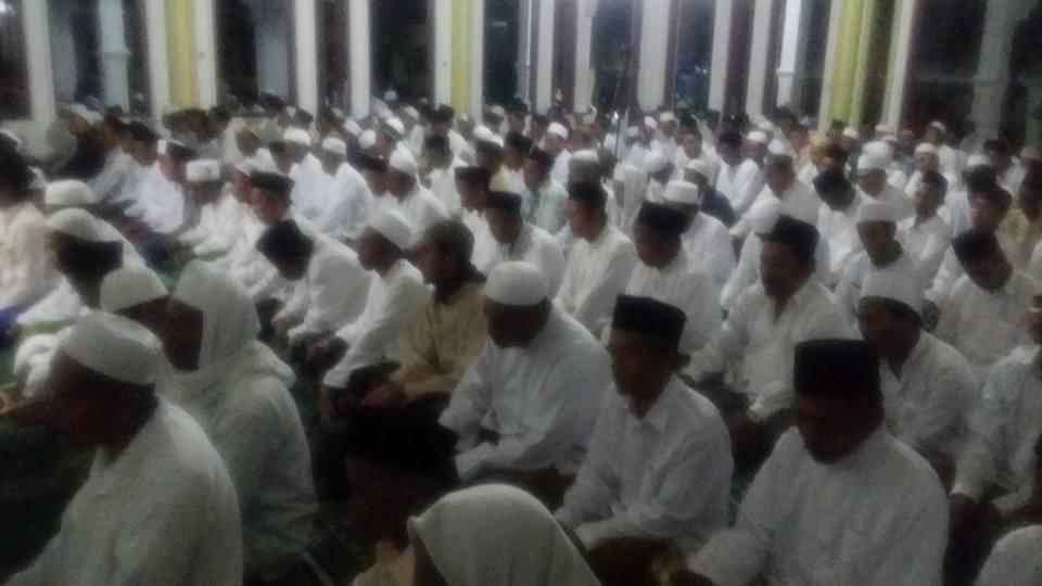 Ikhwan Naqsyabandiyah Gersempal mengikuti kegiatan tawajjuh Thoriqoh Naqsyabandiyah Gersempal