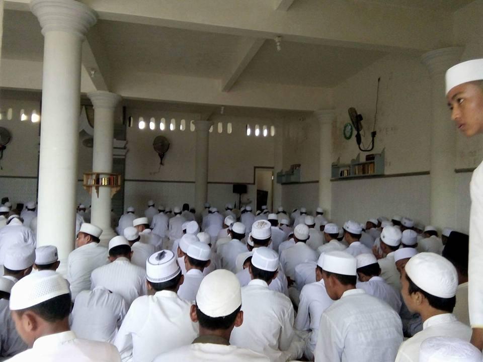 Tampak Jama'ah SITQON Sumenep mengikuti kegiatan di Pondok Pesantren Tarate Selatan