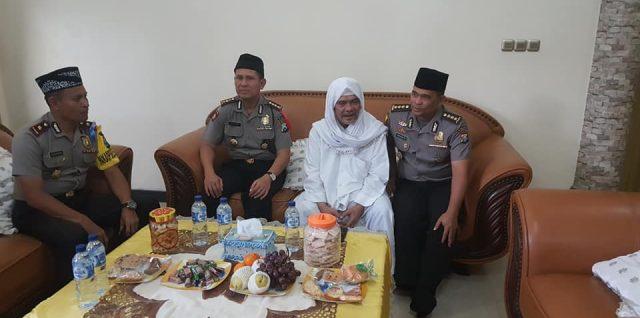 Perwakilan  KAPOLDA Jatim silaturrahim ke Pembina SITQON, memperbicangkan situasi terkini